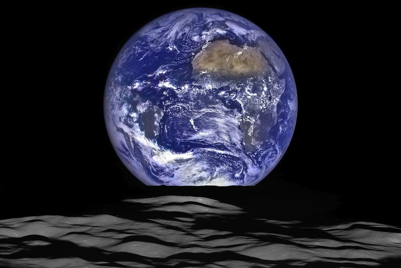 Fotos de satelites orbitando la tierra 31