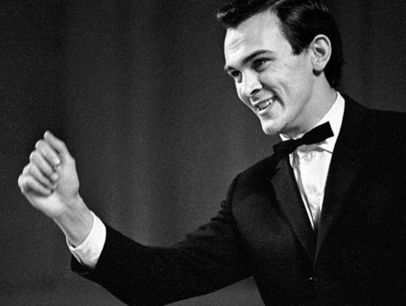 Фамилия певца советские популярные, лесби жестко трахает в анал