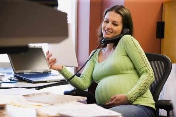 Фотосессия беременных в студии идеи для фото 22