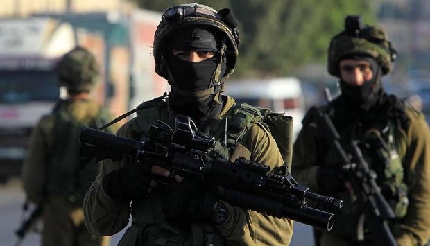 İsrail hərbçiləri minaya düşüb