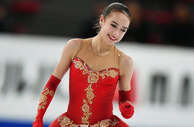 15 yaşlı idmançı Rusiyaya ilk qızıl medalı qazandırdı