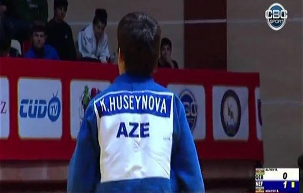 Azərbaycan çempionu yarışa qadın kimanosu ilə çıxıb - VİDEO