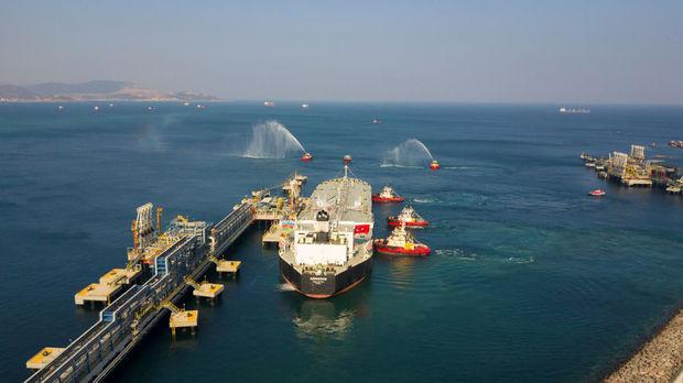 STAR neft emalı zavoduna ilk Azərbaycan nefti gətirildi