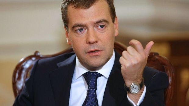 Medvedev Gürcüstan müharibəsinin təfərrüatını açıqladı