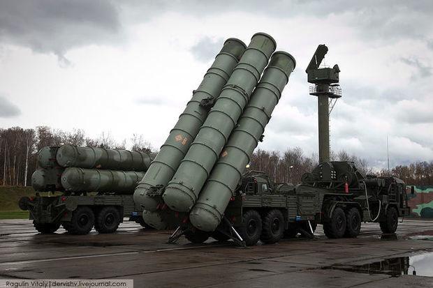 Moskva S-400-lərin Türkiyəyə göndəriləcəyi vaxtı açıqladı