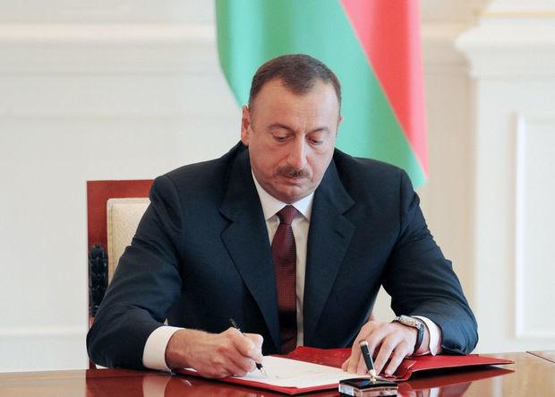 İlham Əliyev Azərbaycan neftçilərini mükafatlandırdı