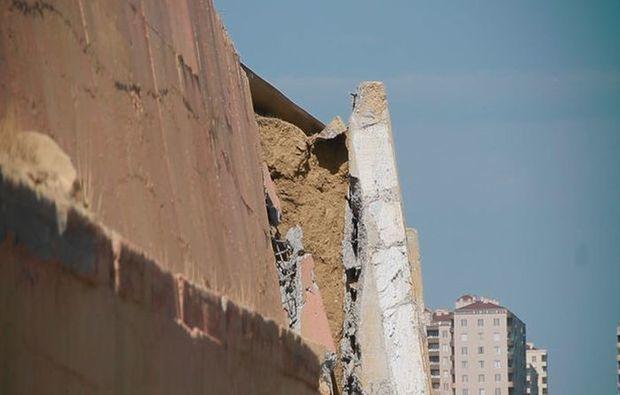 Badamdarda sürüşmə evlərin hasarlarına yaxınlaşır