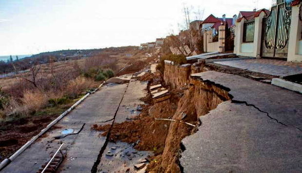 Əziz Qaralov: Zığda evlər deformasiyaya uğrayıb