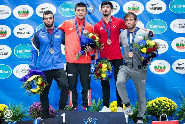 Güləşçilərimiz dünya çempionatından üç medalla qayıdır