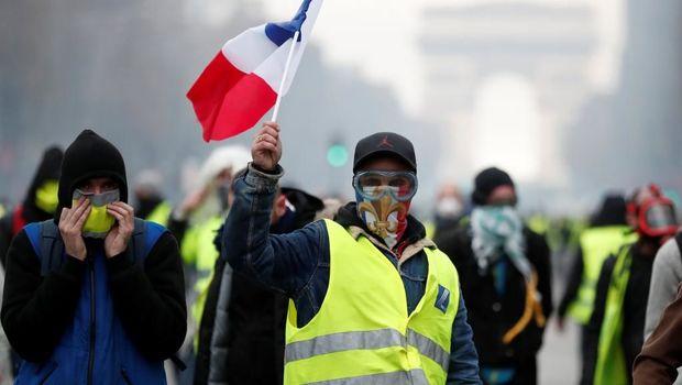 Fransada etirazçı faicəvi şəkildə öldü