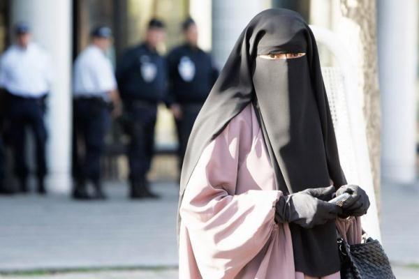 Gürcüstanda çadra və niqabın qadağan olunması təklif edildi