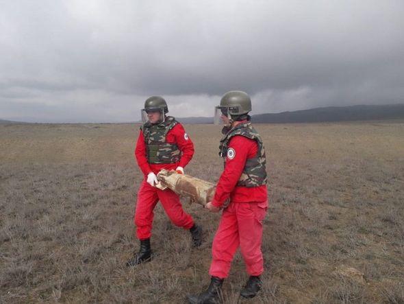 Ağstafada aviabombalar aşkarlandı - FOTO_4