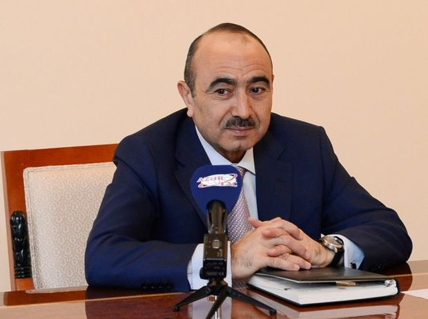 Prezidentin köməkçisi Moskvada azərbaycanlılarla çeçenlər arasındakı insidentdən danışdı