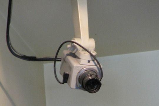 Bakıda məktəbin tualetinə kamera quraşdırılıb - VİDEO