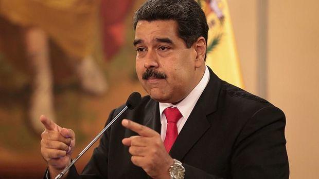 Maduro Braziliya ilə sərhədi bağlayır