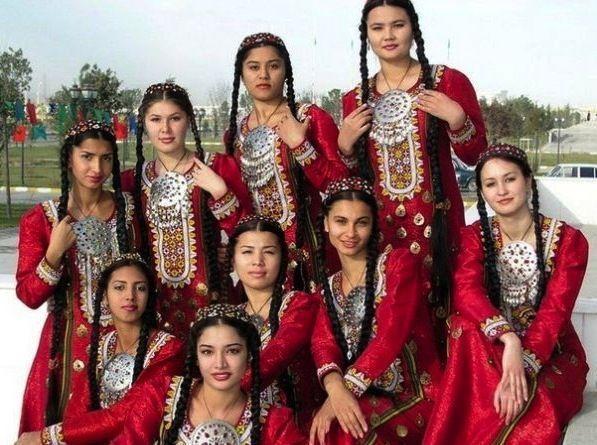 Türkmənistan prezidenti ölkə qadınlarının hər birinə 17 dollar bağışlayacaq