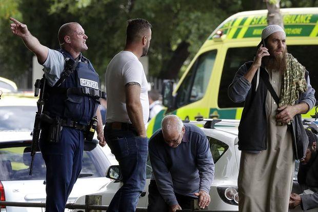 Yeni Zelandiyada məscidlərə silahlı hücum: 49 ölü