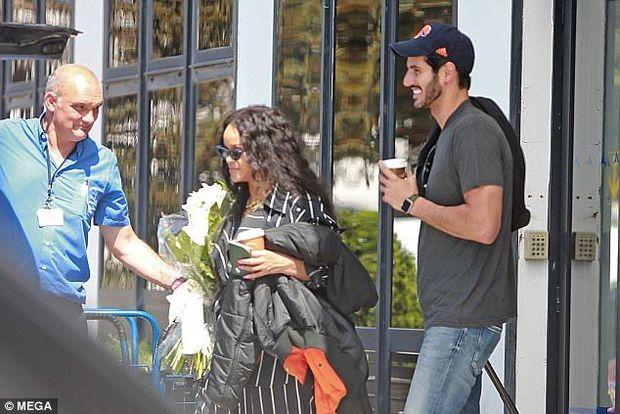 Rihanna milyarder Həsənlə nişanlandı