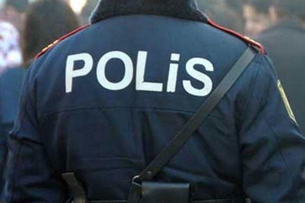 Xırdalanda iki polisi bıçaqladılar