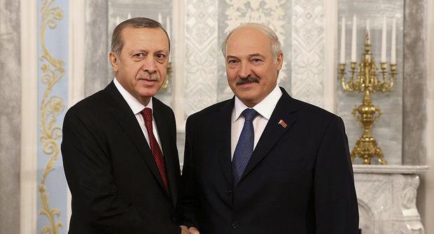 """Lukaşenko: Ərdoğan mənə """"qardaş"""" deyir"""