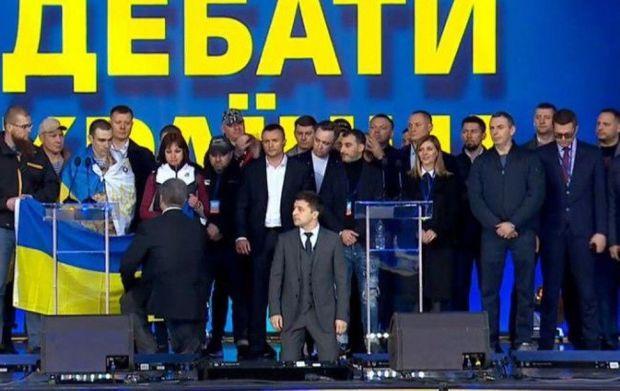 Poroşenko ilə Zelenskinin debatı baş tutdu - VİDEO