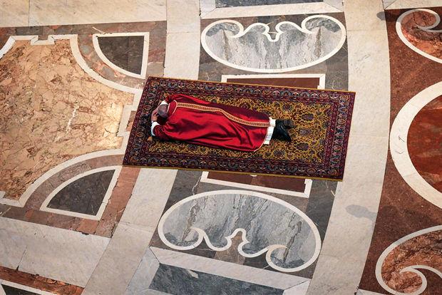 Roma Papasının bu görüntüsü izlənmə rekordları qırır - FOTO