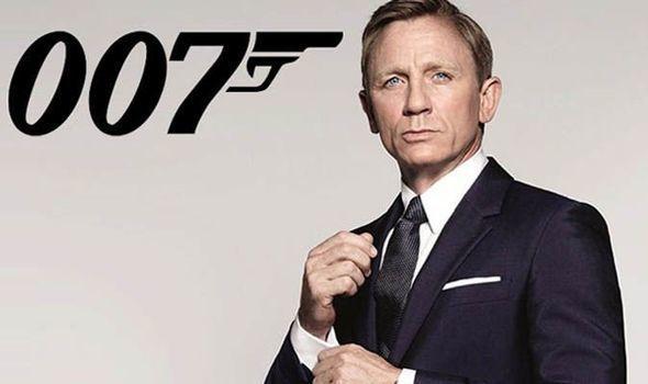 """""""Bir daha Bond olsam, biləyimi kəsərəm"""" demişdi, yenidən çəkildi - VİDEO"""