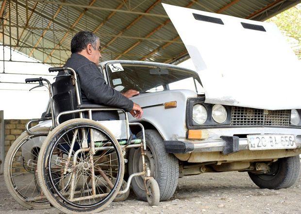 Qeyri-adi taksi sürücüsü: Maşın mənim həyatımdır - FOTO