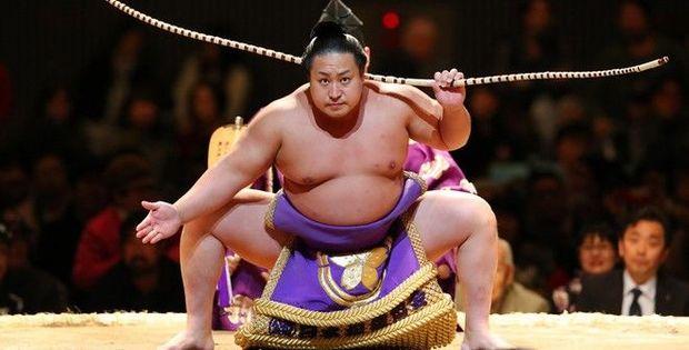 Tramp Yaponiyada sumo yarışmasını izləyəcək