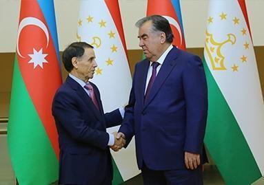 Novruz Məmmədov Emomali Rahmonla görüşdü