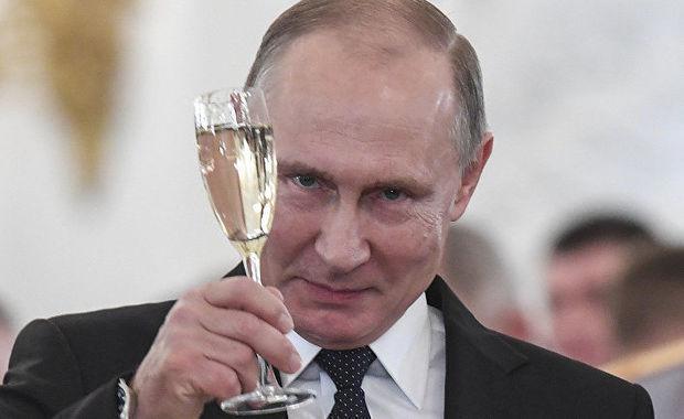 Sabiq avstriyalı nazir Putini toyuna necə dəvət etdiyini açıqladı
