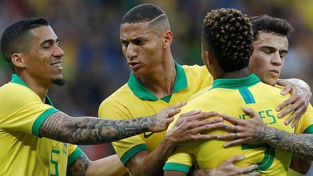 Amerika Kuboku: Braziliya rəqibini darmadağın etdi