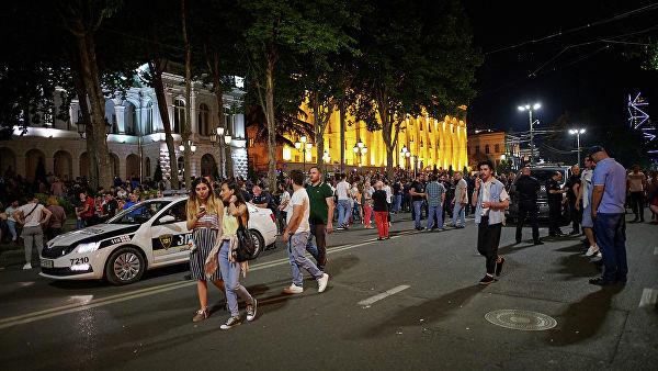 Tbilisidə yenidən etirazlar başladı