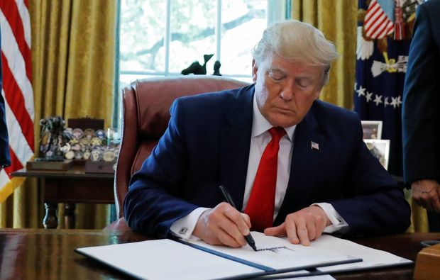 Xamenei ABŞ sanksiyalarına məruz qaldı
