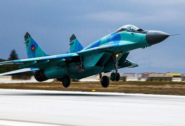 Azərbaycan Hərbi Hava Qüvvələri təlimləri dayandırdı