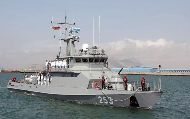 Qazaxıstanın hərbi gəmisi Bakıda
