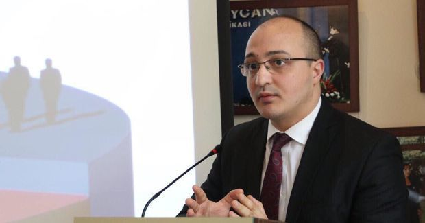 """Politoloq: Paşinyan """"Qarabağ klanı""""nın qılığına girən Sarqsyana toxunmayacaq"""