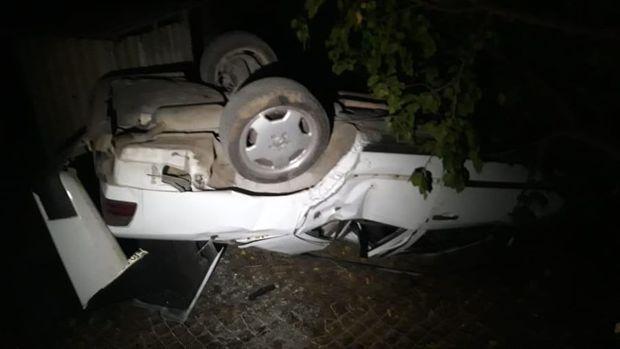 """Tovuzda """"Mercedes"""" aşdı: yaralılar var - FOTO"""