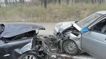 Avtomobil vuran azyaşlını xəstəxanaya çatdırmaq istədi, qəza törətdi: 2 ölü, 3 yaralı