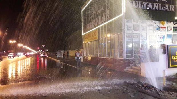 Xətai rayonunda su borusu partladı, sakinlər susuz qaldı - FOTO