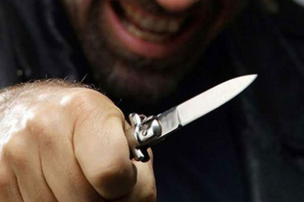 Gəncədə 29 yaşlı gənc başından bıçaqlandı