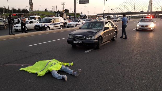 Avtomobilin vurduğu piyada hadisə yerində öldü