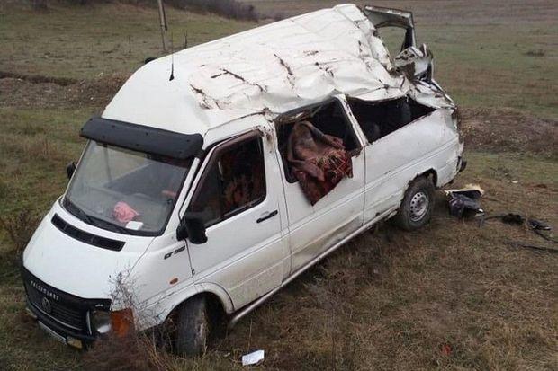 Rusiyada azərbaycanlıların olduğu mikroavtobus qəzaya uğradı: ölənlər var