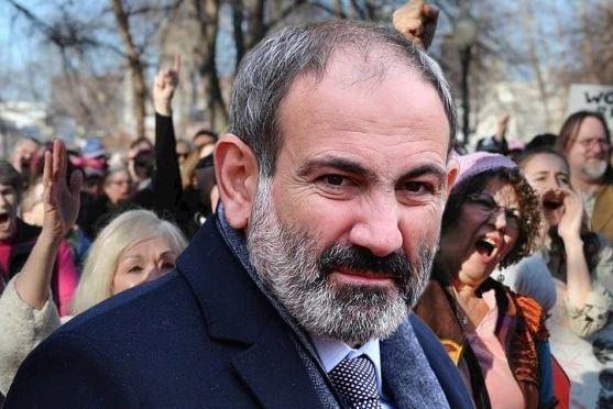Ermənistanda kişi çatışmazlığı - Paşinyan ciddi problemi təlxək açıqlamaları ilə gözdən salır