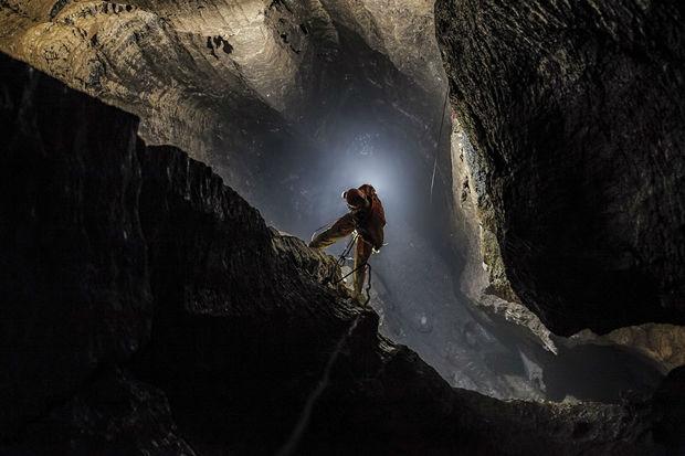 Məhkum 17 il ədalətdən qaçaraq mağarada gizlənib