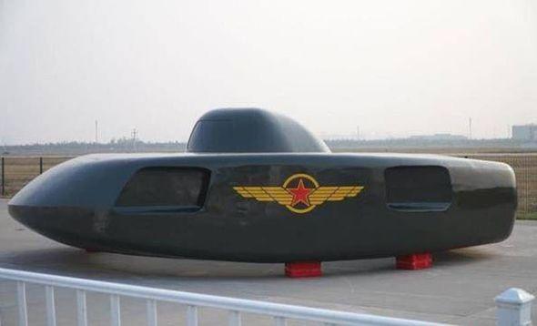 Çin hərbi uçan boşqab nümayiş etdirdi - FOTO_0