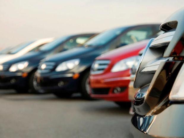 DİN avtomobillərini satışa çıxarır