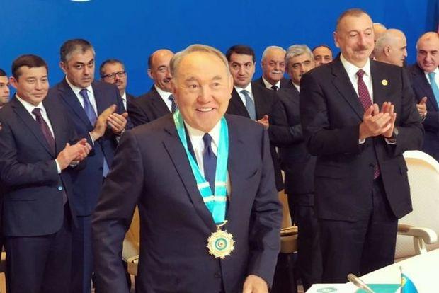 """Nazarbayev """"Türk Şurasının ömür boyu fəxri sədri"""" oldu"""