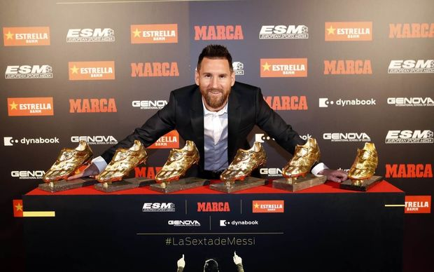 """Messi altıncı dəfə """"Qızıl buts"""" aldı"""