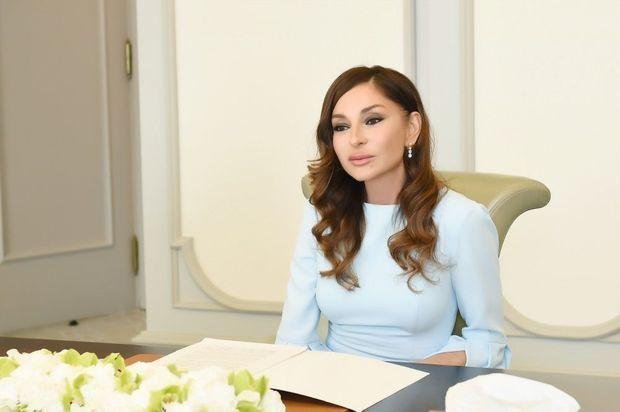 Mehriban Əliyeva Azərbaycan neftçilərini təbrik etdi